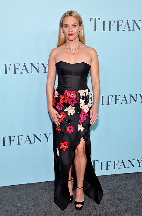 Reese Witherspoon wearing Pearl