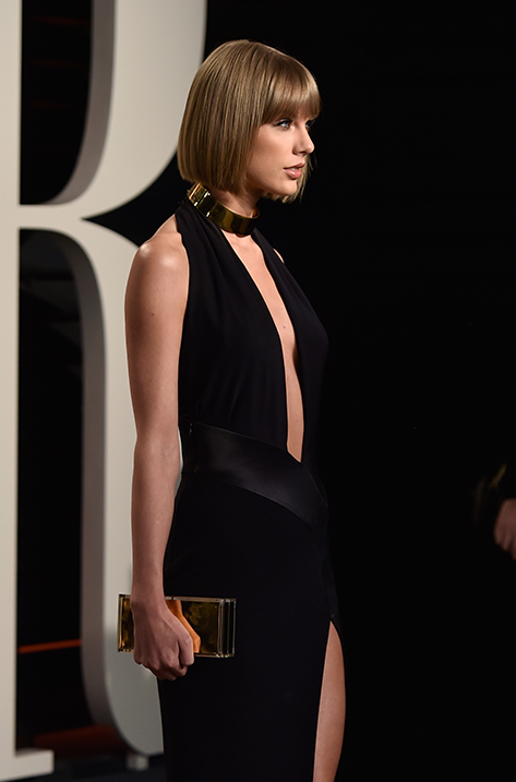 Taylor Swift carrying Box
