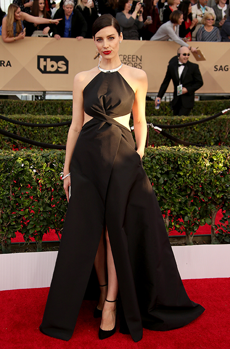Jessica Pare wearing Lucy and carrying Cameo